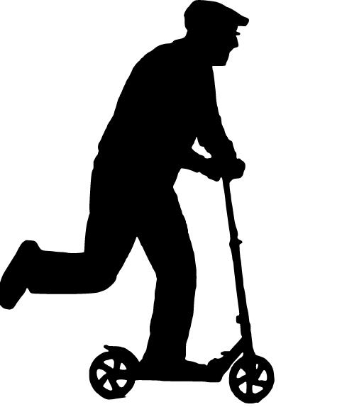 mand på løbehjul